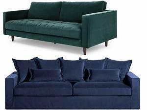 Canapé Bleu Marine : canap en velours entre vert et bleu notre c ur balance joli place ~ Teatrodelosmanantiales.com Idées de Décoration