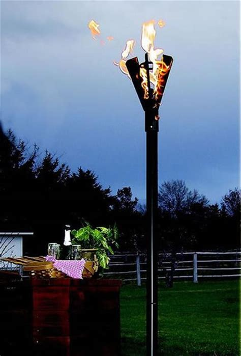 Fin Style Natural Gas Tiki Torches, Permanent Mount   Fine