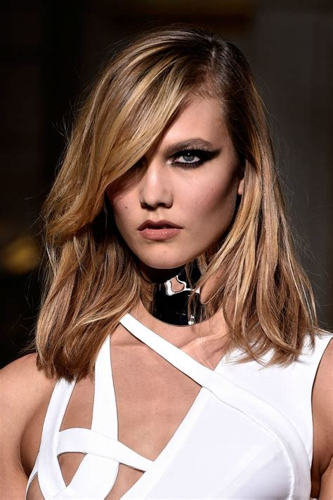 Karlie Kloss Cat Eye Makeup The Versace Runway