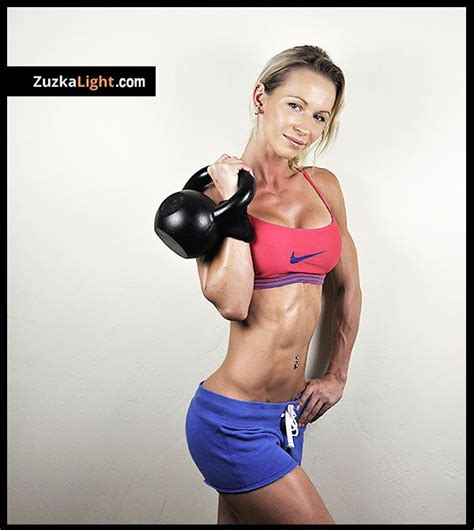 kettlebell training benefits light zuzkalight zuzka zuzana workout fitness models health bodyrock kettle bell