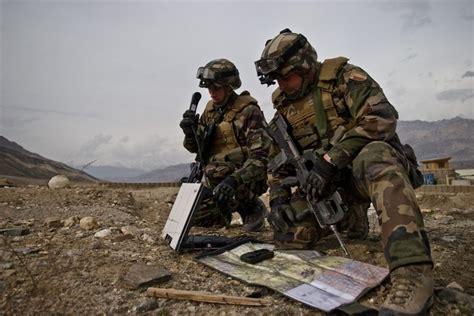 bureau recrutement arm馥 de terre les 25 meilleures idées concernant recrutement armée sur l armée recrute affiche propagande et colonisation française