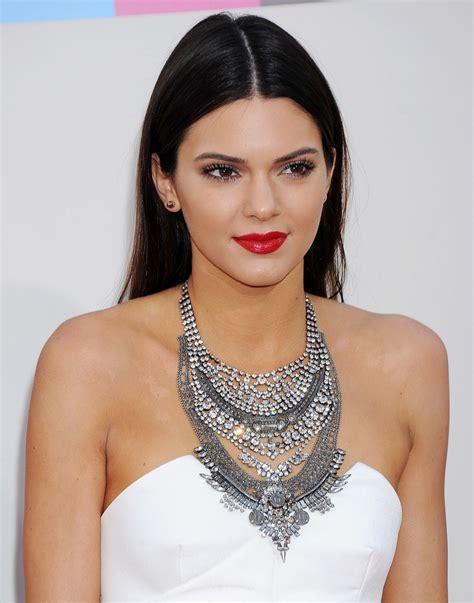 Kendall Jenner at 2013 American Music Awards • CelebMafia