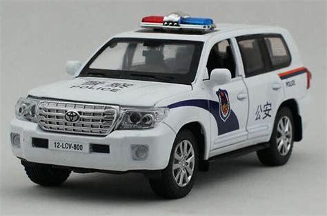 white 1 32 scale diecast toyota land cruiser toy nm02b146 ezmotortoys