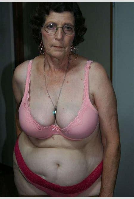 Mature grandma posing pictures