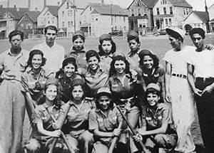 Las Gallinas, women's softball team, Indiana Harbor, c ...