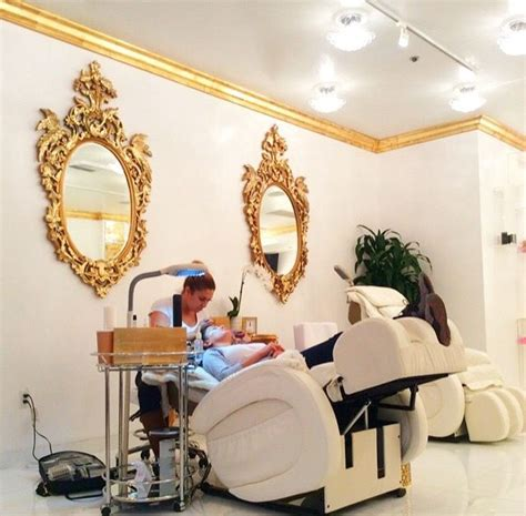 best 25 mobile salon ideas on mobile