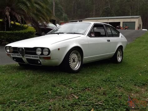 Alfa Romeo Alfetta Gtv 2000 1977 2d Coupe 5 Sp Manual 2l