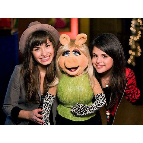 Demi Lovato And Selena Gomez Lesbian - Lesbian demi selena sex stories   www.gay.bg