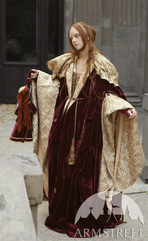 renaissance nobility cloak   green flax linen