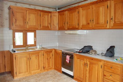 changer les portes de cuisine cuisine agréable placard cuisine bois massif meuble