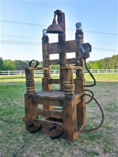 optical illusion electric chair sentence costume