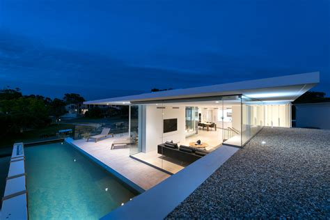 City Beach House In Perth, Australia