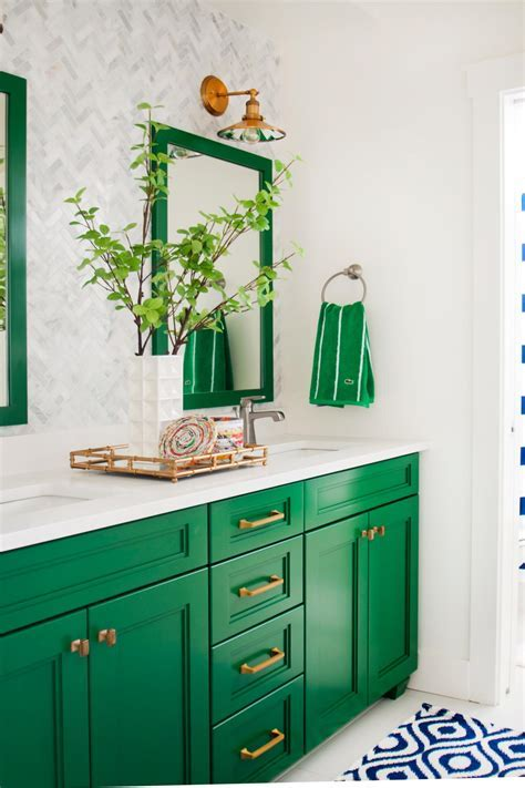 5 Fresh Bathroom Colors to Try in 2017   HGTV's Decorating