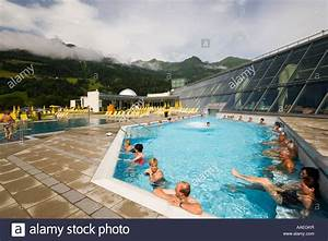 Neu Swimming Pool : park therme im genes de stock park therme fotos de stock alamy ~ Markanthonyermac.com Haus und Dekorationen