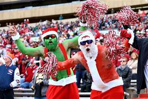 6 Things Every College Football Fan Wants for Christmas ...