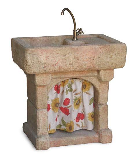 rubinetti per fontane in pietra lavello da giardino garda fontane a muro e lavelli nel