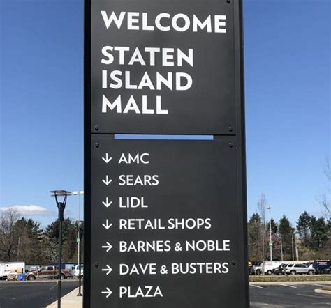 barnes and noble staten island barnes noble closing will reopen in the staten