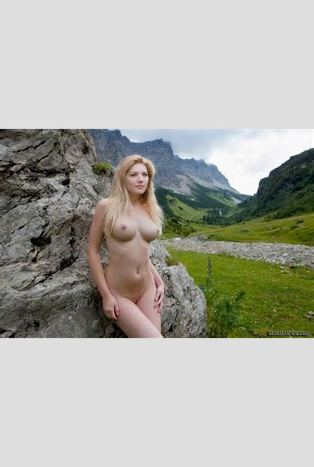 Katheryn Winnick Nude Possing her Boobs & Pussy Fake | Hot ...