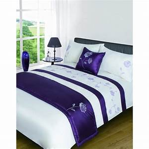 Shop our range of duvets duvet covers sheets and bedding for Bedding stores uk