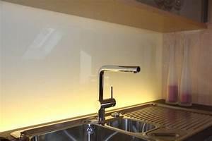 Küchenrückwand Glas Beleuchtet : glasr ckwand von unten beleuchtet garten haus usw ~ Frokenaadalensverden.com Haus und Dekorationen