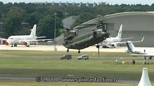CH47 Chinook helicopter flight display at Farnborough ...