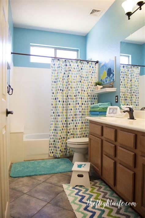 Chevron Bathroom Ideas by 25 Best Ideas About Chevron Bathroom On
