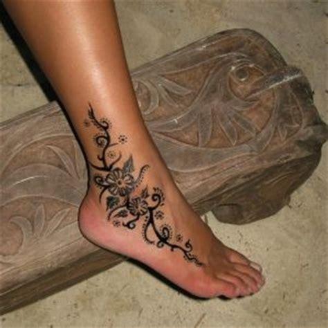 les 25 meilleures id 233 es de la cat 233 gorie tatouage bracelet cheville sur tatouages