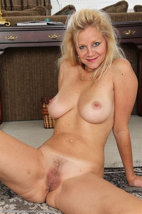 Allover Free Com Hot Older Women Year Old Heidi Gallo From Houston Texas In High Quality