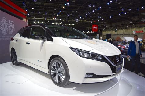 2018 Nissan Leaf Showcased At The 2017 Dubai Motor Show