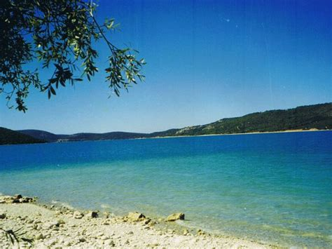 lac de sainte croix locations dans le verdon