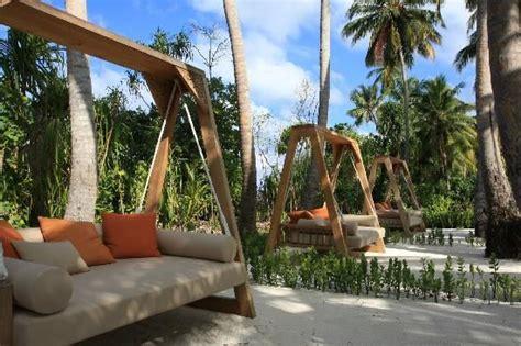 great idea  freestanding swing daybed backyard