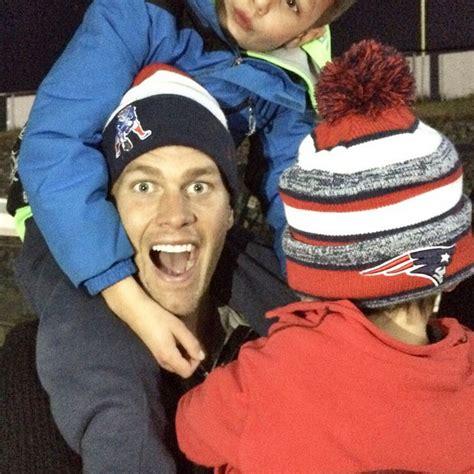 Tom Brady Instagram Resume by Tom Brady And His Family 8 Adorable Photos Today S Parent