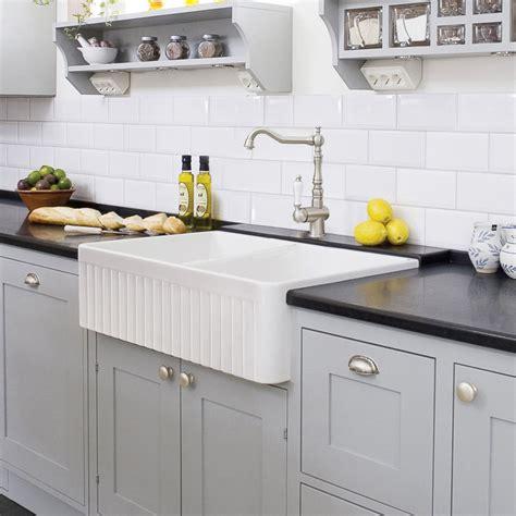 apron front farmhouse kitchen sinks fireclay bowl 33 quot apron front farmhouse sink white 7501