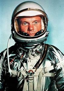 John Glenn, first American astronaut to orbit Earth ...