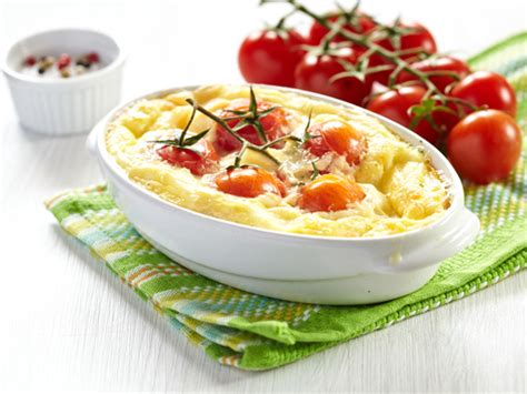 clafoutis aux tomates cerises recette de clafoutis aux tomates cerises marmiton