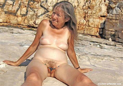 reife nackt zu hause