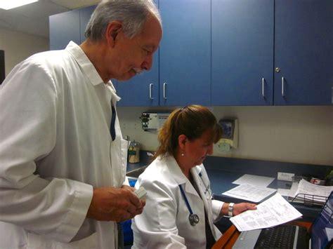 doctors supervise   nurse practitioners work