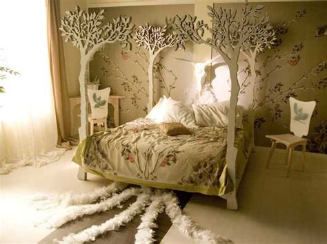 unusual beds creating extravagant  unique bedroom decor