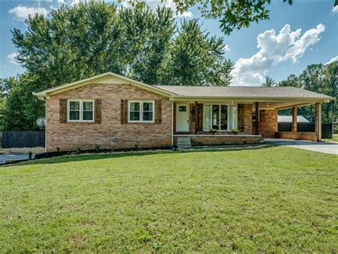 3 BR 2 BATH BRICK HOME WITH BASEMENT BETWEEN SPARTA AND ...