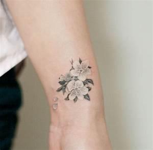 Tattoo Fleur De Cerisier : tatouage japonais tout savoir sur ses symboles et leur signification ~ Melissatoandfro.com Idées de Décoration