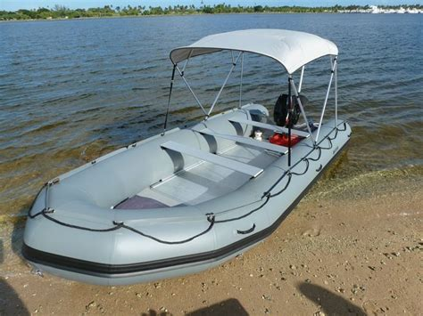 Zodiac Boat Uae by Best 25 Boats Ideas On Cool