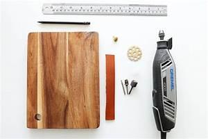 Planche De Bois Vieilli : diy donner un aspect vieilli a une planche en bois pour la table obsigen ~ Mglfilm.com Idées de Décoration