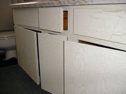 crackle paint kitchen cabinets crackle painting how to crackle paint in four steps 6248