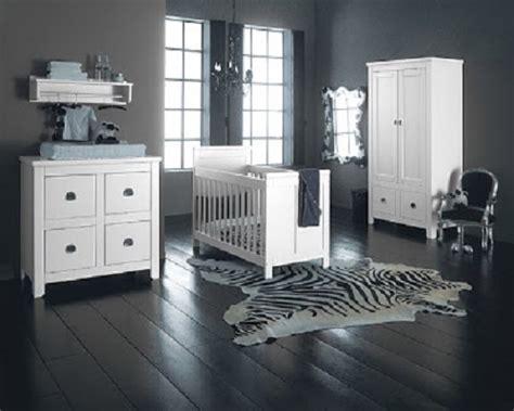 conseil deco chambre conseil décoration chambre bébé gris et blanc