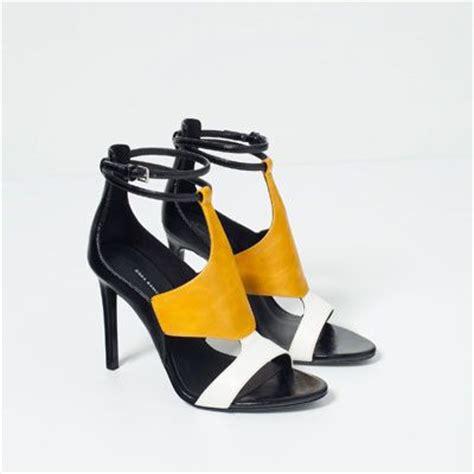 chaussure de cuisine femme les 25 meilleures idées concernant talons jaunes sur