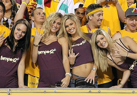top  colleges   hottest girls