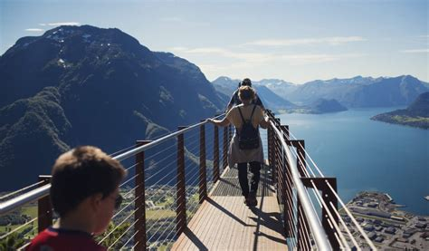 Walking The Edge Official Travel Guide To Norway