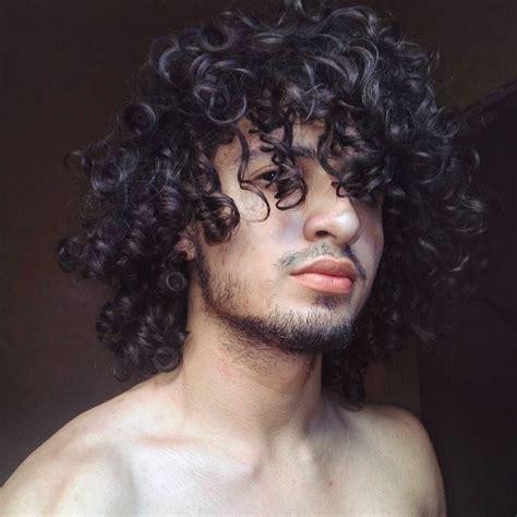curly hair men hairdo long curly hair  men