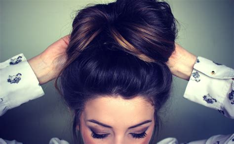 How To Make Messy Bun Hairstyle At Home