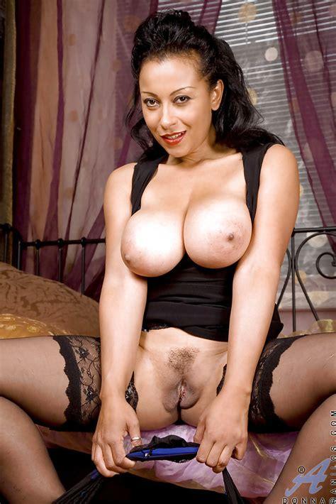 Beutiful Latina Brunette Shows Her hot Mature Legs In Black Stockings